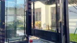 中式鋁合金門窗在設計方面的優勢特點有哪些