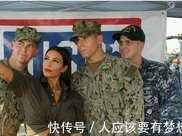 卡戴珊慰問美軍士兵,結果遭調侃,卡戴珊機智迴應