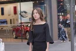高挑多姿的連衣裙美女,輕鬆兼具優雅與舒適,身材火辣