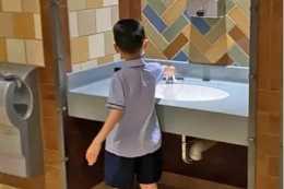 湖北武漢:5歲男孩進女廁惹爭議,合理媽媽?究竟是怎麼回事?