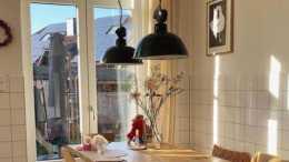 她家佈置得復古文藝, 很有老電影的味道, 這才是歲月靜好的模樣