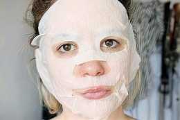 46歲阿姨每天堅持敷面膜,想改善皺紋,結果怎麼樣了?