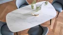 別裝大理石餐桌了,這種材料更耐造,用作餐桌更環保