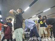 福州火車站發生一起事件,孩子手掌被傳送帶夾傷,母親索賠被拒