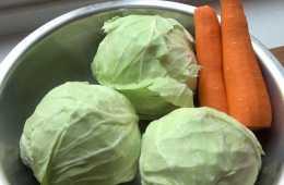 """賣泡菜的老闆娘透露:醃泡菜時多加""""這一步"""",吃起來又香又脆"""
